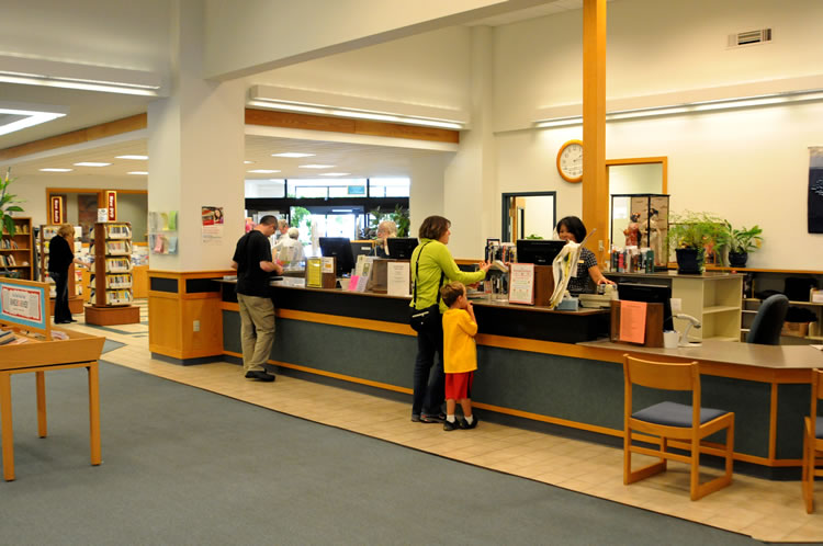 Friendly staff, is ready to check out books or help you find what you need.